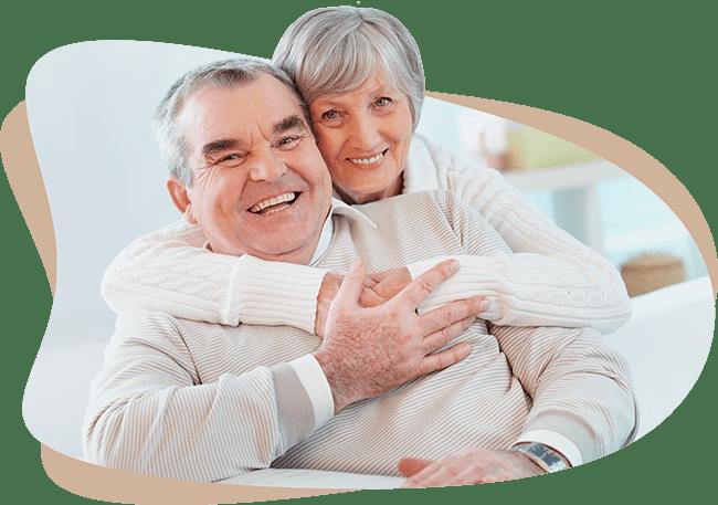 Peter und Ilse Bogner freuen sich, dass sie ihre Immobilie dank des Immobilien-Teilverkaufs mit Nießbrauchrecht altersgerecht umbauen können.