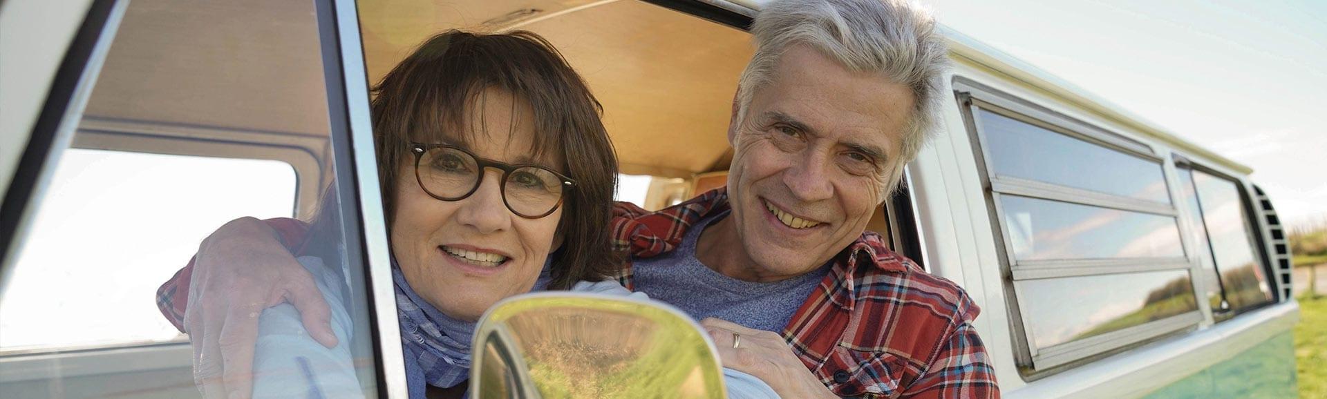 Senioren genießen die Freiheit im Wohnmobil dank Immobilien-Teilverkauf