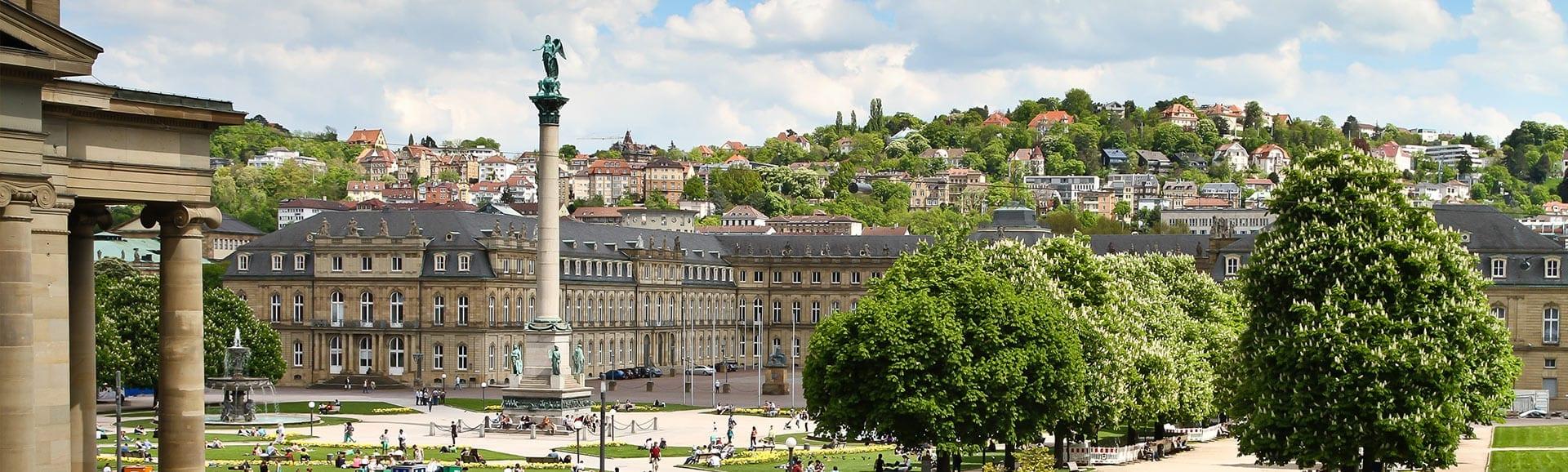 Blick auf den Stuttgarter Schloßplatz
