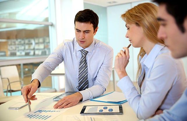 Team bespricht die Marketingstrategie