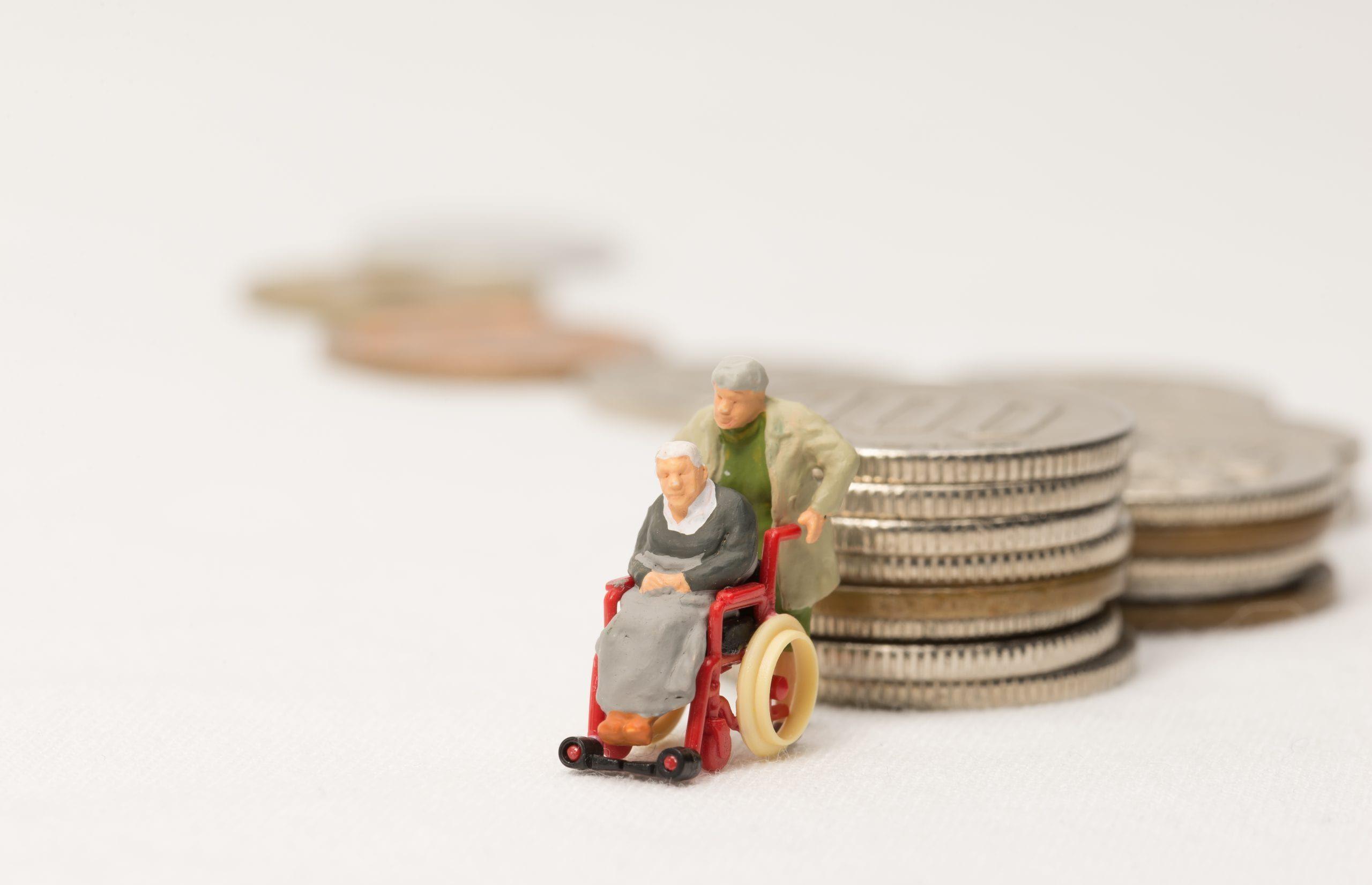 Viele Senioren geraten durch Pflegekosten finanziell unter Druck. Die Deutsche Teilkauf bietet mit dem Immobilien-Teilverkauf die Lösung