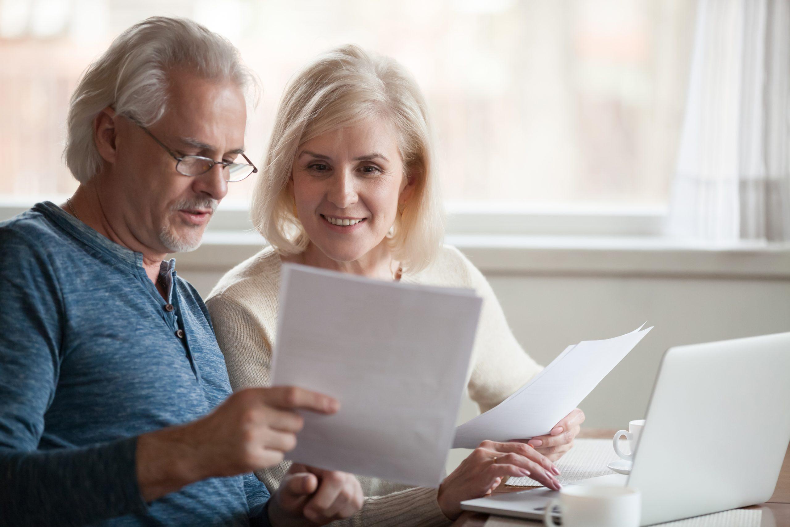 Spekulationsteuer, Gewerbesteuer oder Grunderwerbsteuer – welche Steuern Sie beim Immobilien-Teilverkauf beachten müssen.